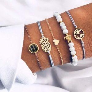 GET NOTICED  5 bracelet set